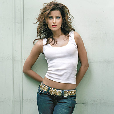2-nelly-furtado-400a061107